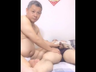China Obese Daddy Blowjob At One's Fingertips Home